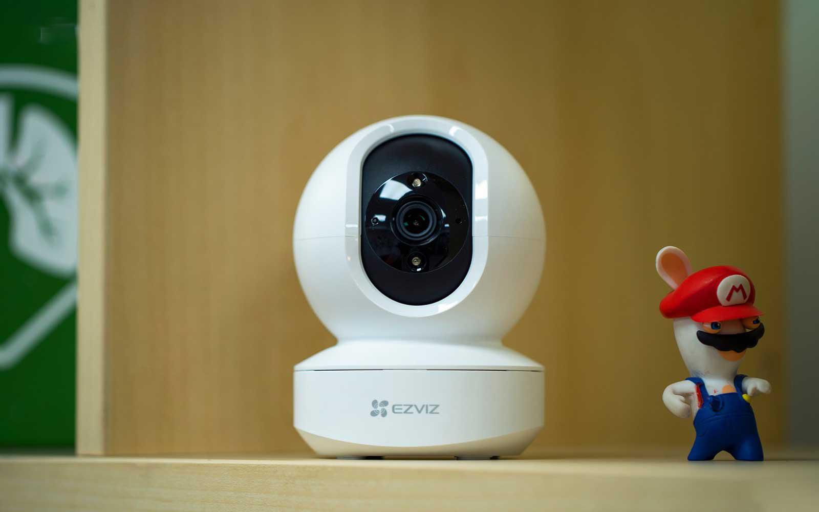 Sử dụng Camera Wifi đặt bàn, không cần khoan đục, treo tường là biện pháp tốt để bảo vệ căn hộ đi thuê của bạn